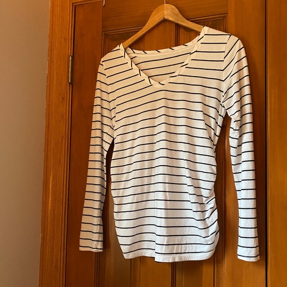 Isabel Maternity by Ingrid & Isabel Tops - Isabell Maternity   Like New   Maternity Tee